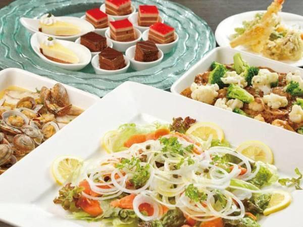 【夕食バイキング/例】彩り豊かなお料理を日替わりで多数ご用意!
