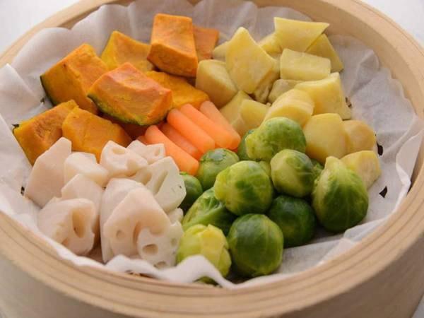 【夕食バイキング/一例】女性に嬉しい温野菜もご用意しております!