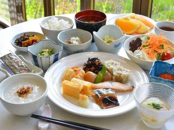 朝食バイキング/和食盛り付け一例