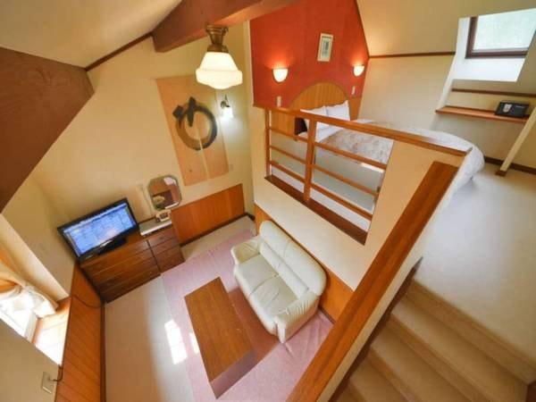 【離れメゾネットBタイプ/一例】リビング×2・温泉・ベッドルームを4階層にご用意しております