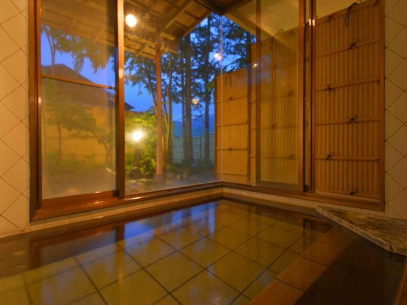 【日帰り温泉「ほの香」内湯】姉妹館「カジュアルユーロ」の敷地内にございます