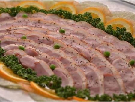 【夕食バイキング/一例】鴨スモークはやわらかくジューシー!やみつきになる1品です