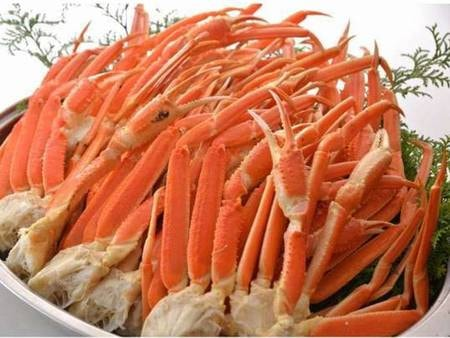 【夕食バイキング/一例】中身ぎっしりの蟹は直送で鮮度抜群です!