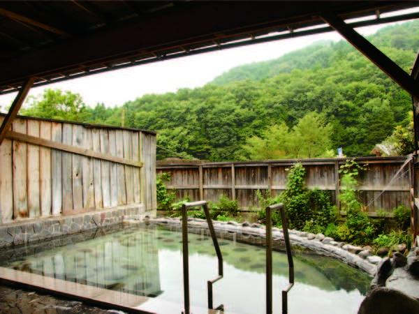 【露天風呂】開放感溢れるお風呂でのんびり