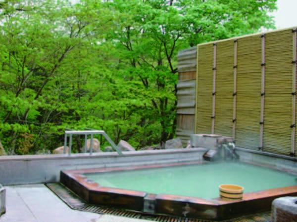 【露天風呂】濃厚な硫黄泉を満喫!