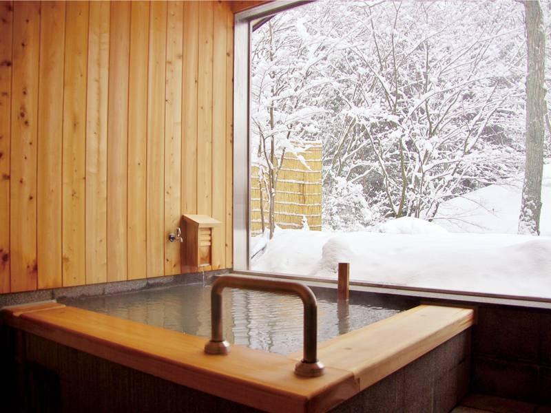 バリアフリー貸切風呂【もみじ】雪が降れば雪見露天風呂に