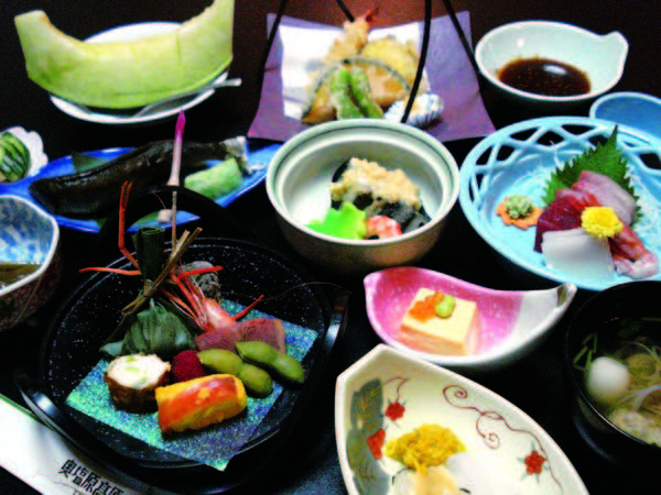 【季節の和会席/例】地元食材を使用した美味少量会席