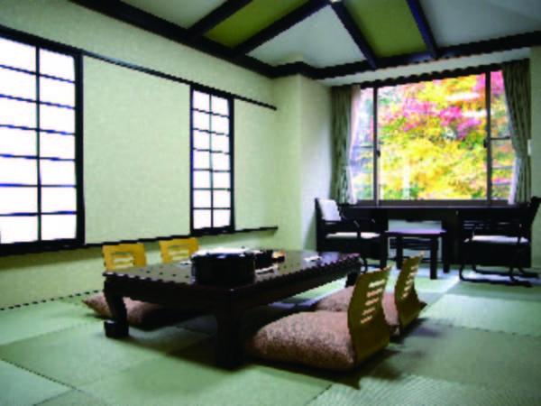 【モダン和室/例】琉球畳と木目調がお洒落なモダン和室