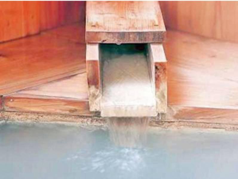 【宝の湯】檜の温もりと湯のやわらかさが心地よい
