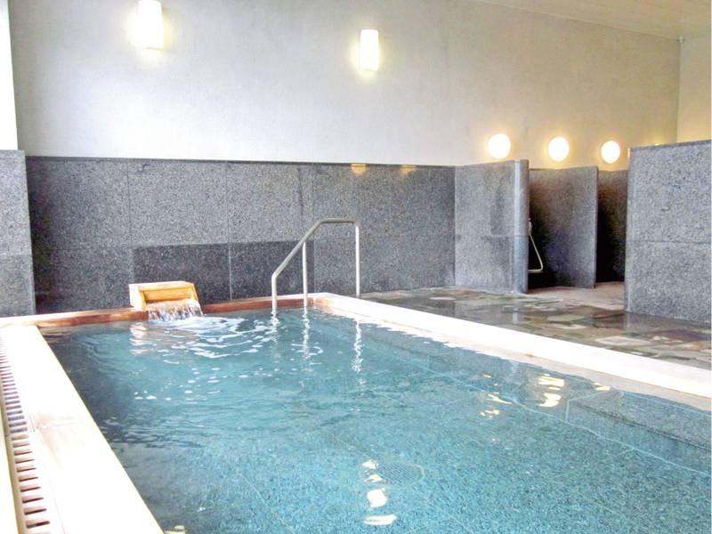 【大浴場】古代檜を利用した湯舟