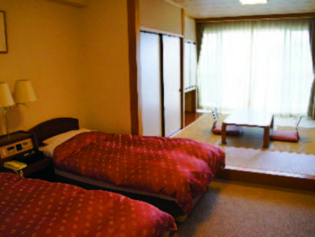 【和洋室・一例】36㎡以上!6畳とシングルベッド2台の人気タイプ