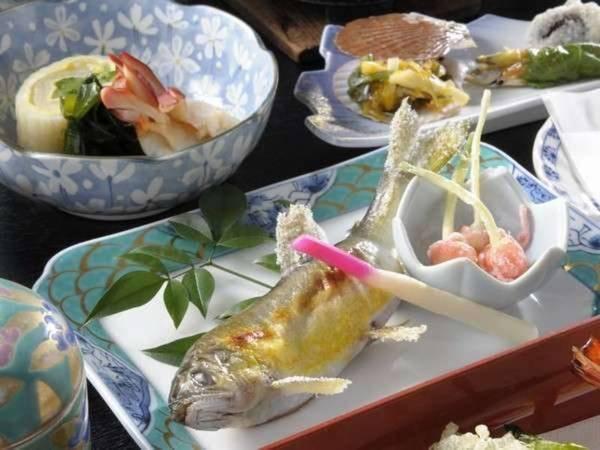 夕食一例:鮎の塩焼き