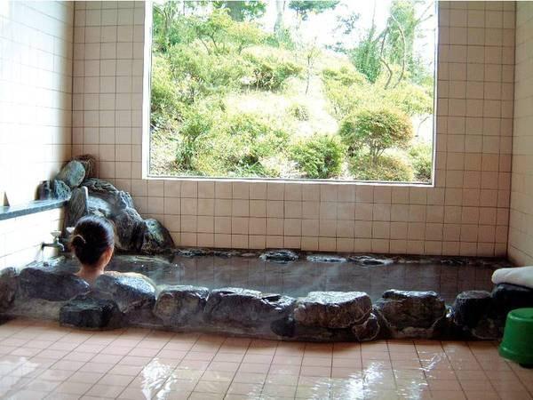 【浴場】源泉かけ流しの天然温泉を満喫