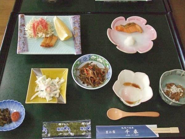 【朝食一例】ごはんが進む朝の定番メニューをいくつか