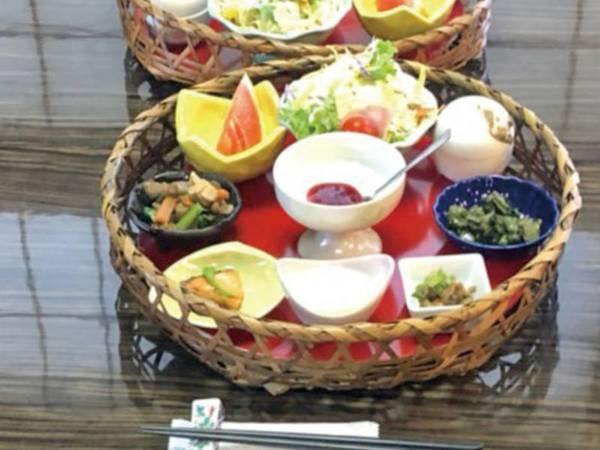 【朝食/例】名物の温泉たまごの他、体に優しいお料理をご用意