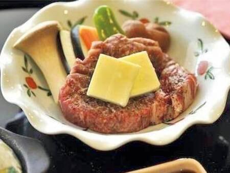栃木ブランド「霧降高原牛」のステーキ付会席