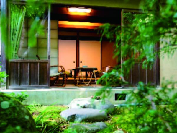 【登録文化財】明治後半から昭和初期に建てられた木造数寄屋風の建物の一室