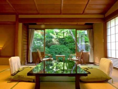 【スタンダード和室10畳/温泉内風呂付/例】木造数寄屋風の雰囲気でゆったりお寛ぎいただけます