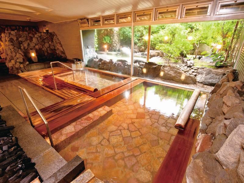 【大浴場/木清の湯】檜を使用した湯船