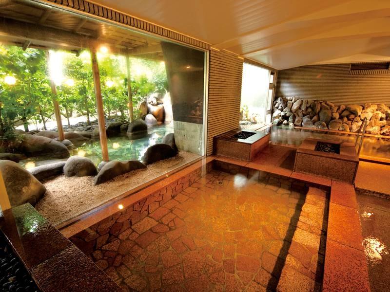 【大浴場/石華の湯】石造りの内湯
