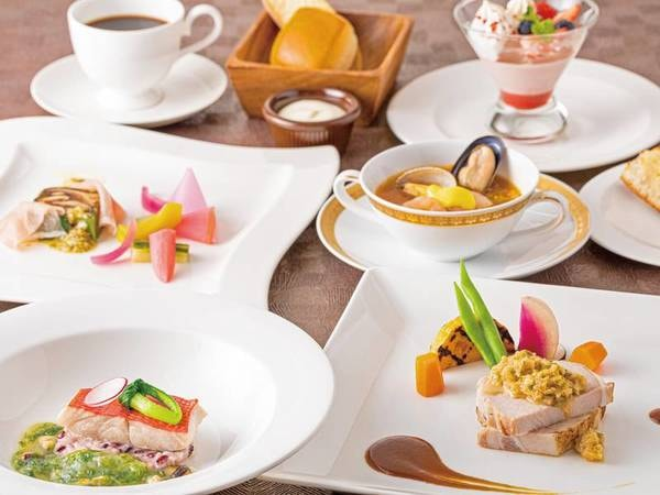 【フレンチ洋食プラン/例】前菜、ホテル名物のブイヤベース、金目鯛料理などを中心とした季節のフレンチコース