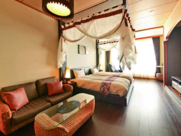 【天蓋付ハリウッドツイン/例】海外旅行気分を味わえる天蓋付バリ風客室