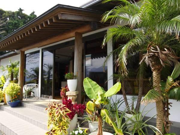 【外観】恋人岬に建つ小さなホテル