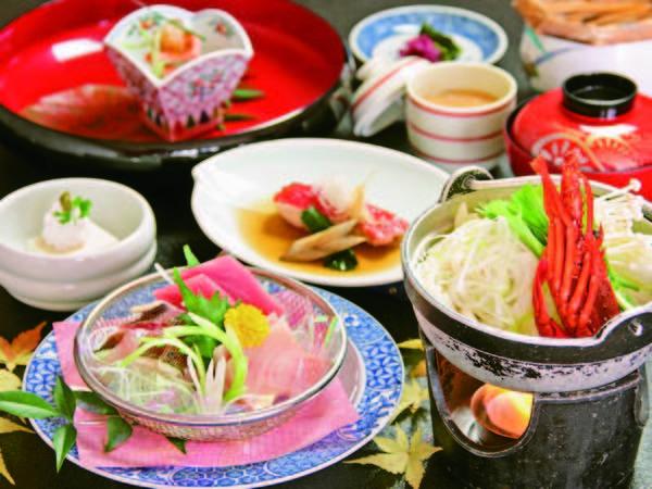 【夕食一例】伊勢海老(半身)入り鍋・金目鯛(切り身)の煮付・舟盛(グループ1台)など