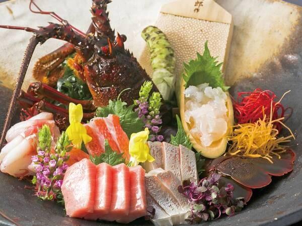 【夕食一例】旬のお造りには「伊勢海老」付き