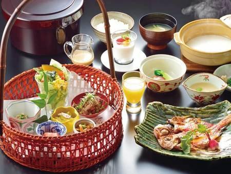 【朝食/例】賑やかに 旬菜咲いて 和む朝