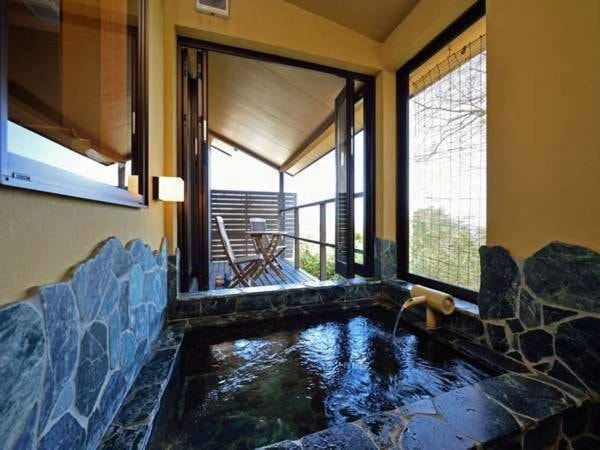 【客室露天風呂/例】温泉半露天風呂付き客室/和洋室(ツイン)