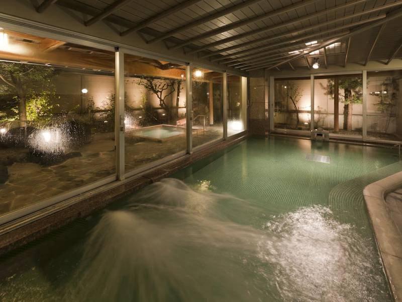 【女性大浴場】広々した大浴場で体を芯から温め肌をなめらかに
