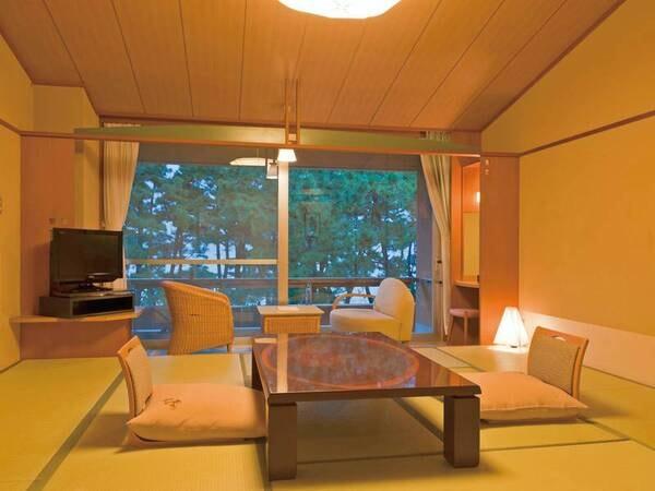 【客室/例】12.5畳+ゆとりの広縁+バルコニー付の和室。