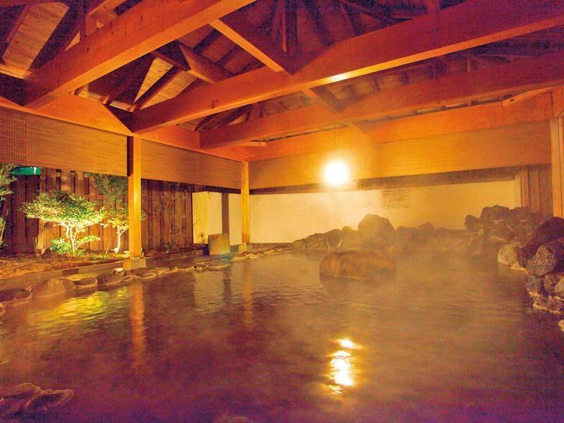 【大岩露天/吹花】野趣あふれる岩造りの露天風呂
