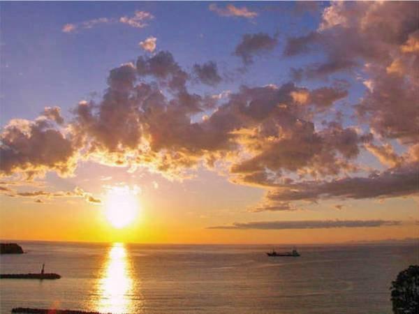 【眺望/例】駿河湾越しに沈む夕日に感動!