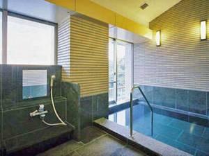 【有料貸切風呂(内湯)】誰にも気兼ねなくご入浴のひと時を満喫(1回45分1,080円)。※車椅子でお越しの方には1回分無料対応あり
