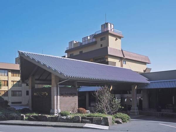 全48室の熱川プリンスホテル外観