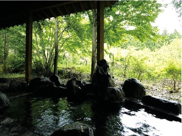 【露天風呂】解放感あふれる露天風呂で森林浴も楽しめる!