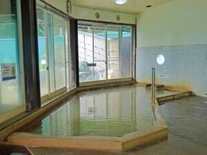 【大浴場】時間、天候によって色が変わる濃厚にごり湯