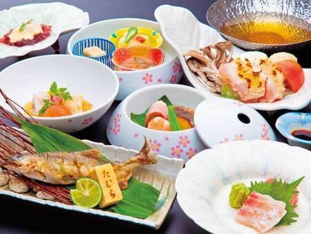 【夕食/例】随所に季節の細工を施した懐石料理