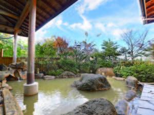 【露天風呂】伊香保の中でも随一の源泉保有量を誇る「黄金の湯」をかけ流しで