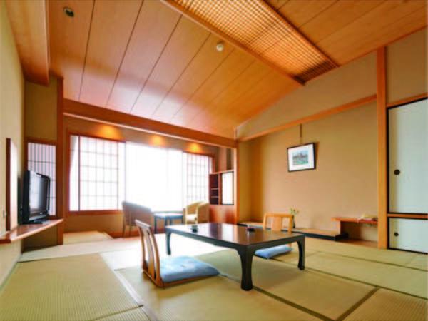 【客室/例】ゆったりとご利用いただける10畳以上の和室(禁煙)