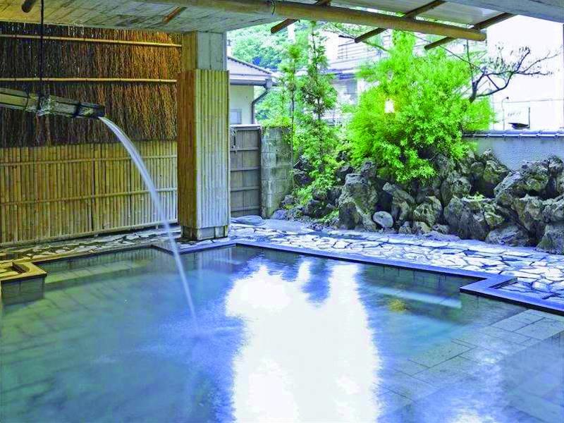 【露天/源之湯】源泉から自然流下の引湯で給湯