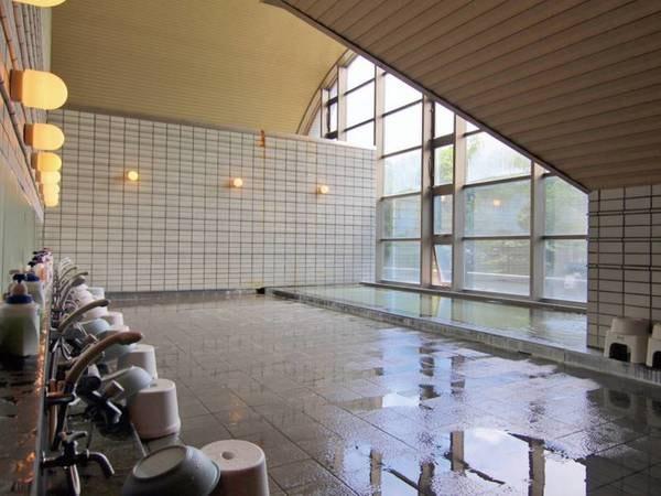 【紀州鉄道軽井沢ホテル 列車村本館】自然と澄んだ空気に包まれたリゾート。広大な敷地でレジャーも満喫!