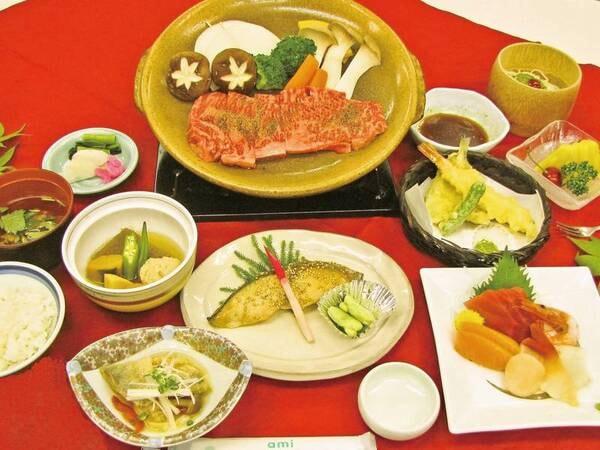 メイン料理は和牛陶板焼き(一例)
