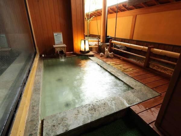 【奥嬬恋温泉 ふる里の宿 花いち】全8室の内7室は半露天付客室。 軽井沢と草津温泉の中間に位置する、奥嬬恋温泉源泉かけ流しの一軒宿