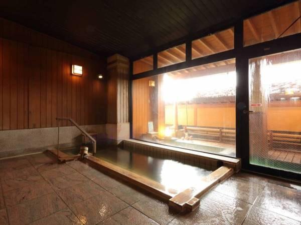大風呂・露天は檜か石造り
