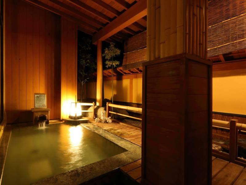 地下1,000mから湧き出る効能豊かな奥嬬恋温泉の湯