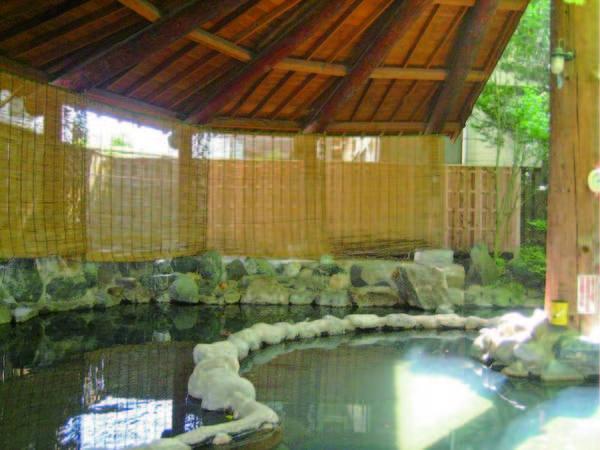 【別館露天風呂】老神温泉内で随一の広さを誇る露天風呂