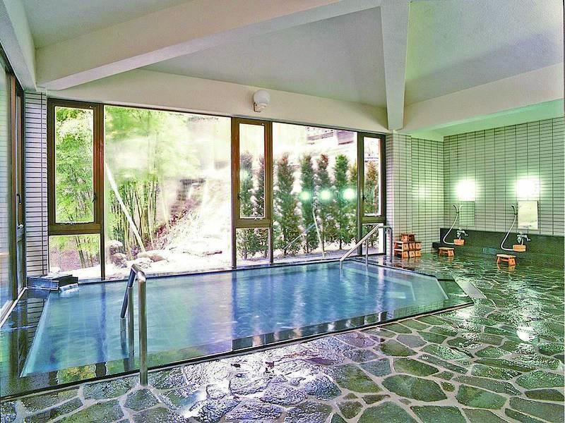 【大浴場】「四万の病を治す霊泉」と言われた名湯を楽しめる